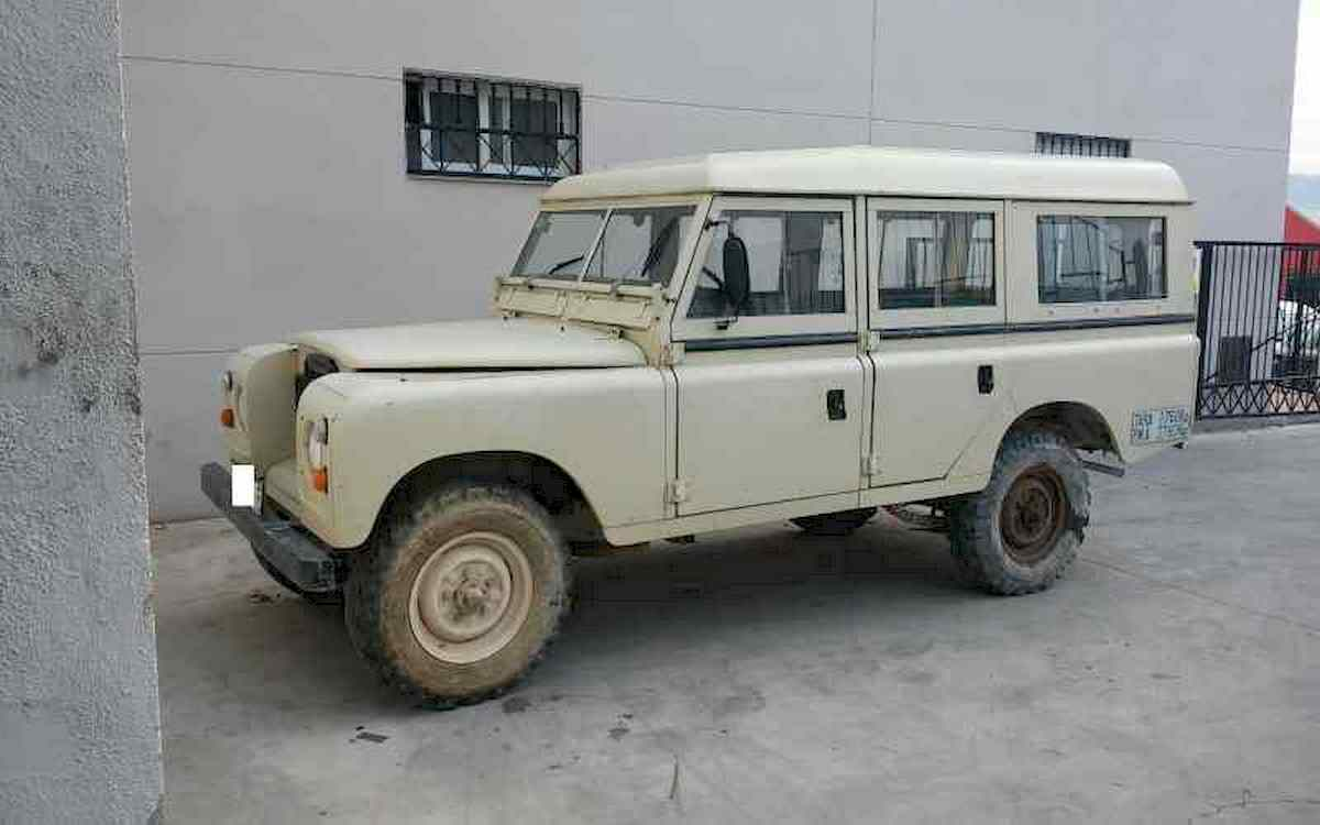 Image of LAND-ROVER 88-109
