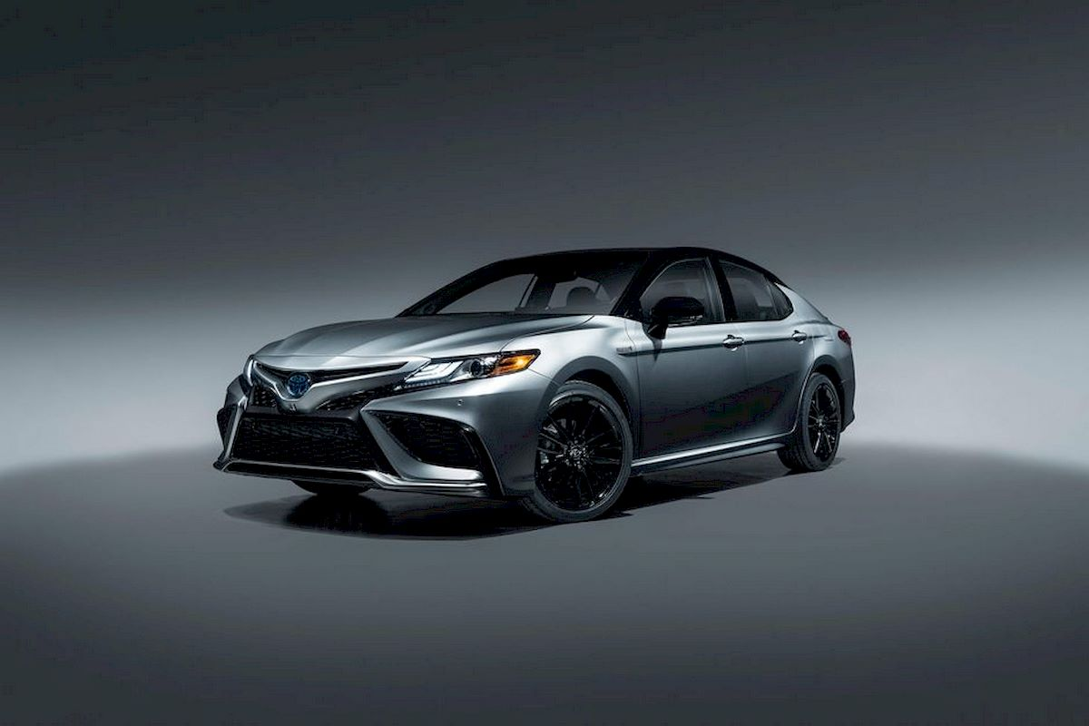 Image of TOYOTA CAMRY
