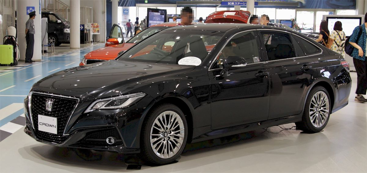 Image of TOYOTA CROWN