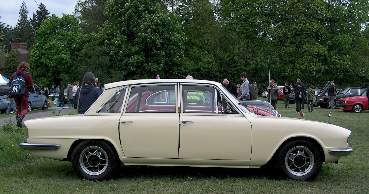 Image of TRIUMPH 2000-2500